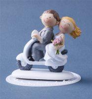 Brautpaar auf Roller